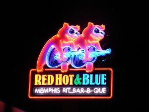 Red, Hot & Blue uses open neon tubing to attract hungry passers-by.