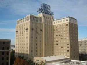 www.holidaysigns-richmond-downtown-Hotel John Marshall