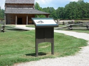 www.holidaysigns.com-pamplin-park-signs-displays-museum-wayfinding