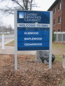 www.holidaysigns.com-harrisonburg-virginia-custom-sign-companies-best-sign-company-college-signage-wayfinding-banners