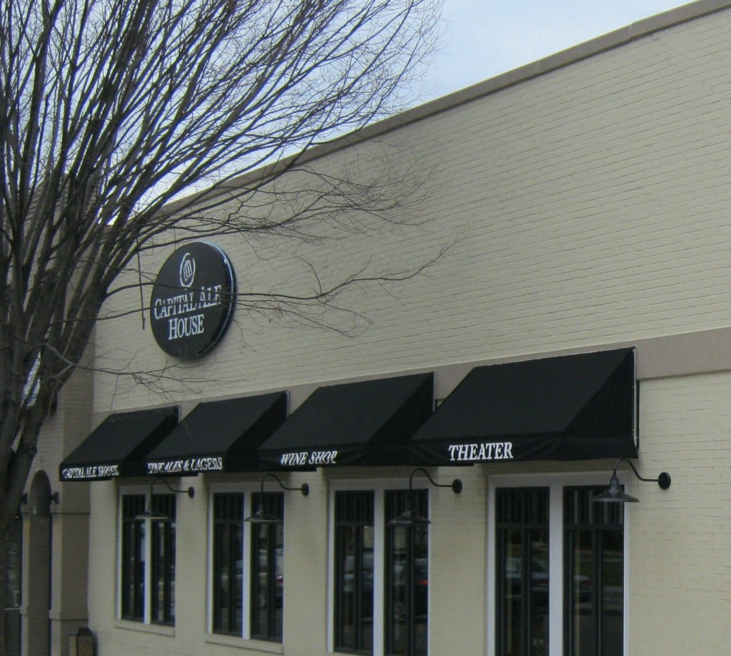 www.holidaysigns.com-richmond-harrisonburg-fredericksburg-custom-awnings
