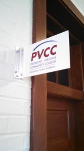 www.holidaysigns.com-charlottesville-va-interior-sign-systems
