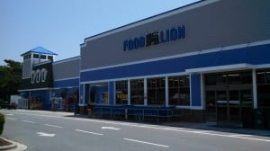 www.holidaysigns.com-nc-sign-contractors-installers-retail-signs