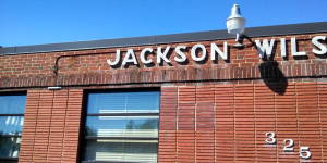 www.holidaysigns.com-richmond-chester-va-wall-lettering