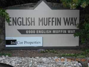 www.holidaysigns.com-richmond-VA-Baltimore-MD-DC-Industrial-Entrance-Signs-Directional-Systems-architectural-post-and-panel-type